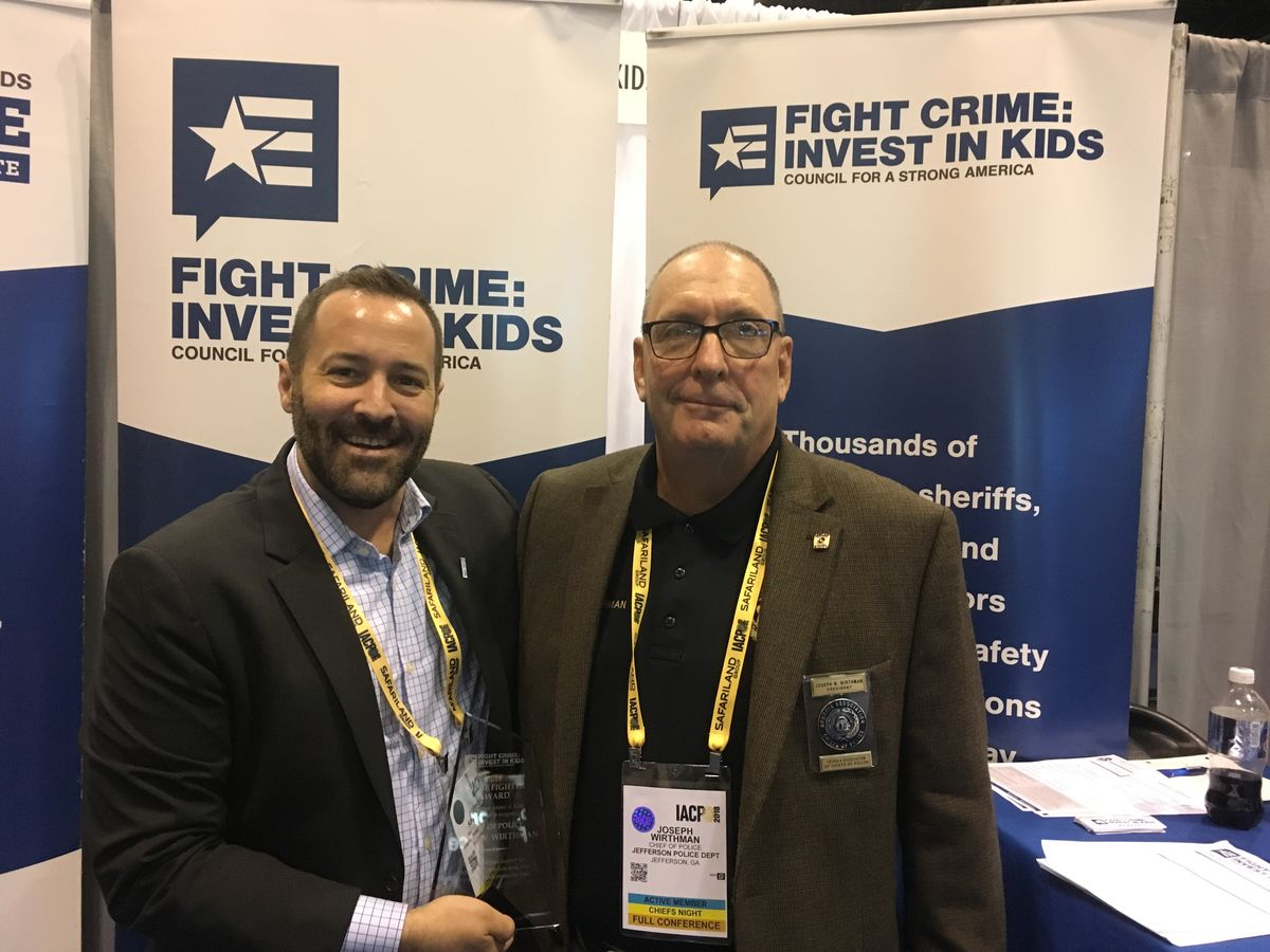 Chief Wirthman receives a 2018 Crime Fighter Award