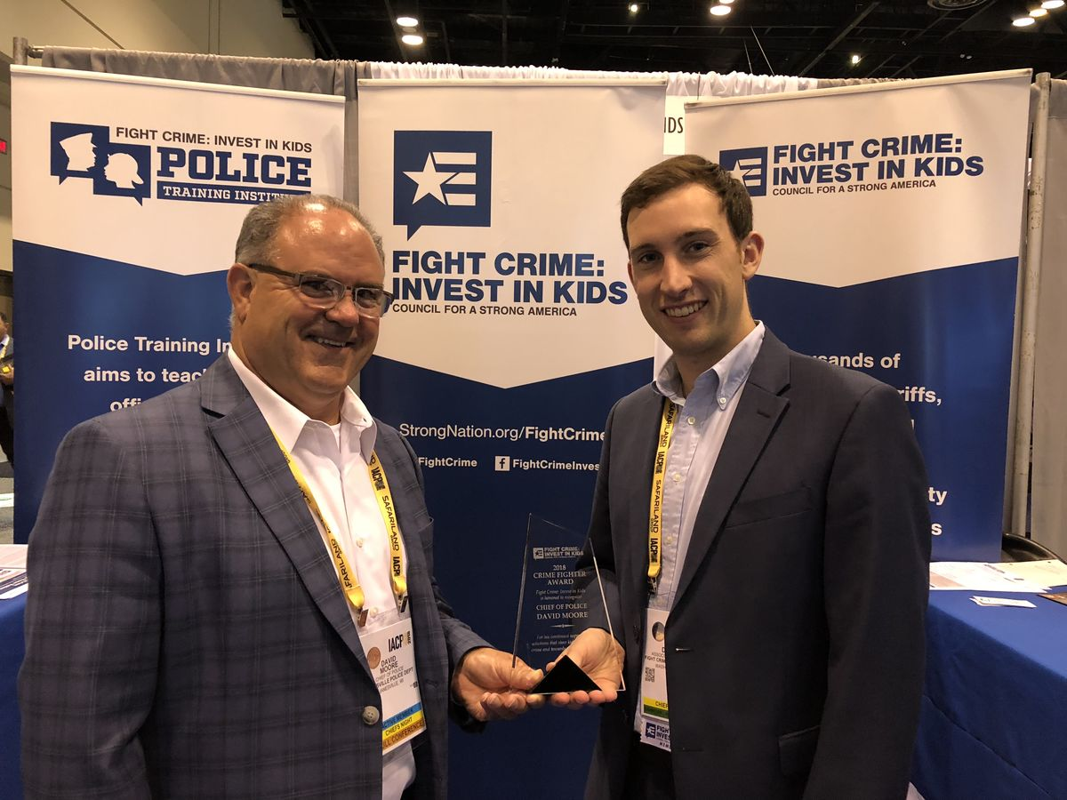 Janesville Police Chief David Moore receives a 2018 Crime Fighter Award