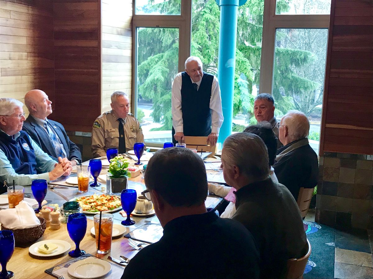 ReadyNation member Mike Edwards addresses other Mission: Readiness and ReadyNation Washington members at a luncheon during the 2019 state legislative session.