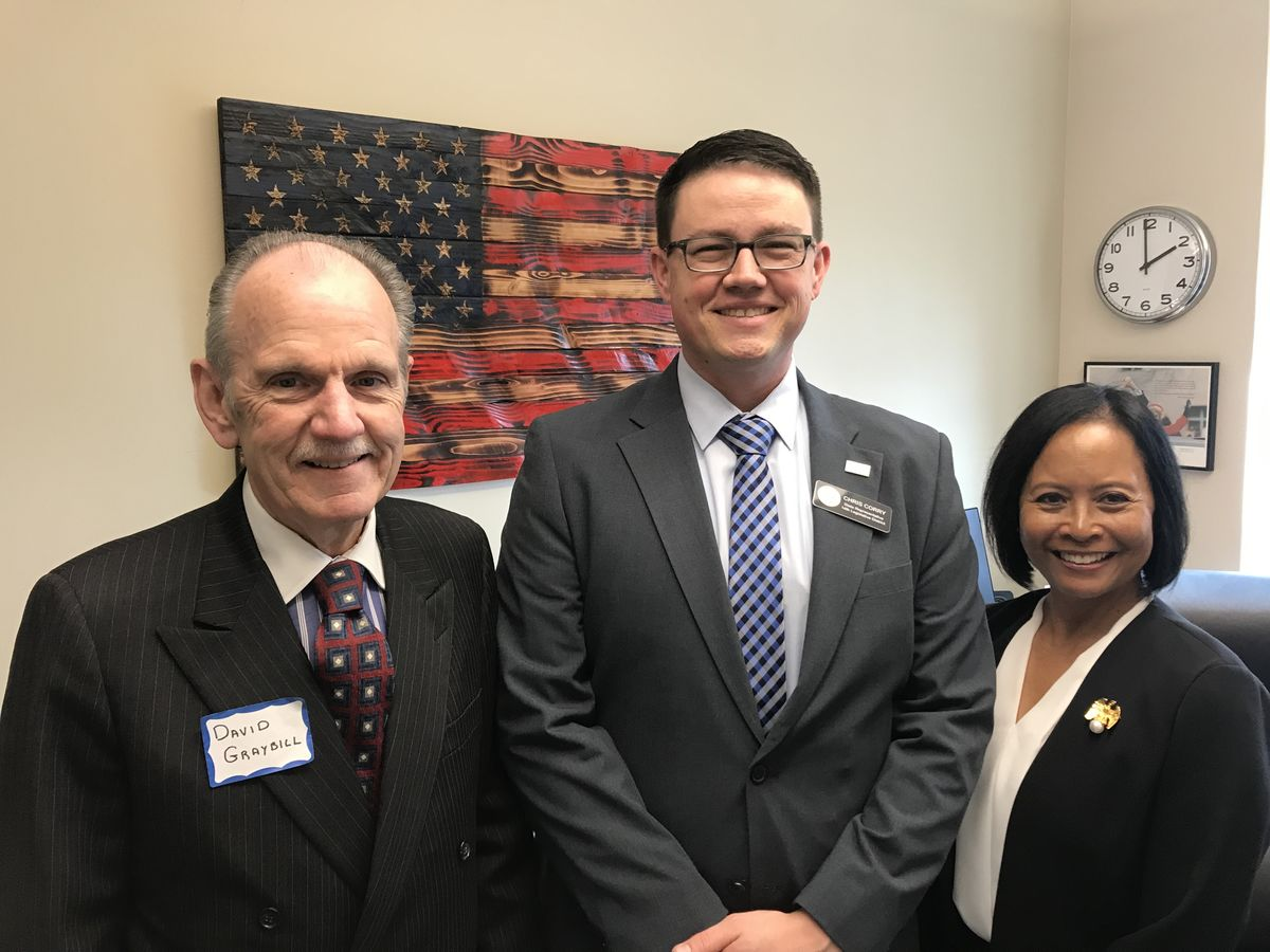 ReadyNation member David Graybill and Mission: Readiness member Rear Admiral (Ret.) Eleanor Valentin met with Washington State Rep. Chris Corry to discuss the importance of investments in ECEAP and expanded learning opportunities.