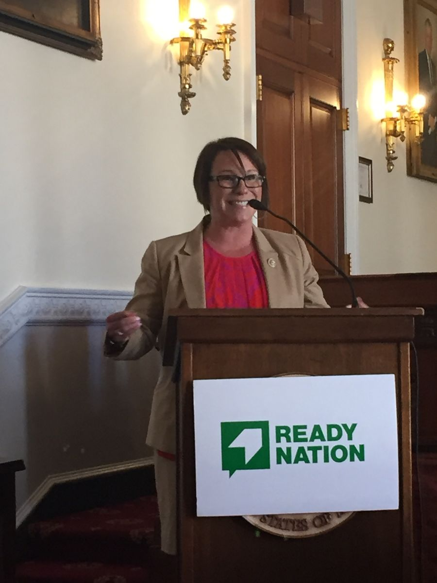 Representative Martha Roby speaks at the ReadyNation child care briefing on 3/26/19