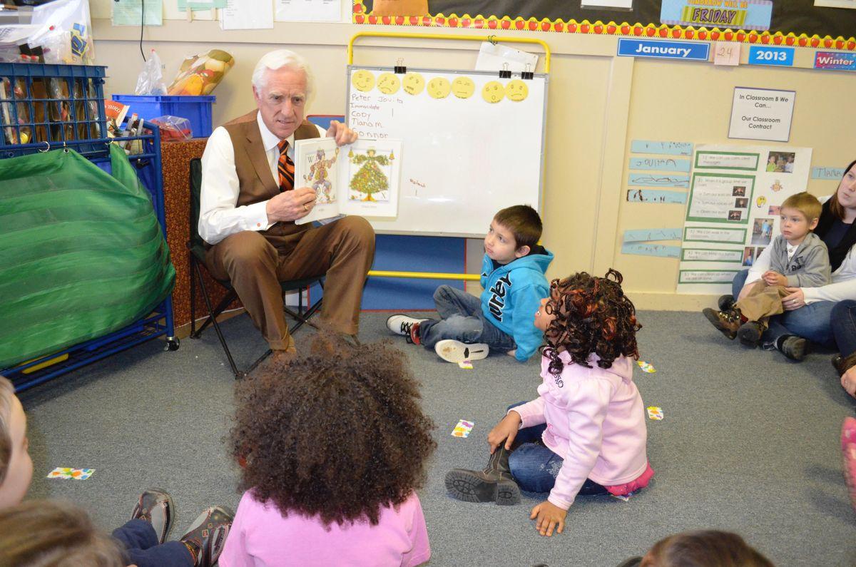Dana Connors reading to children