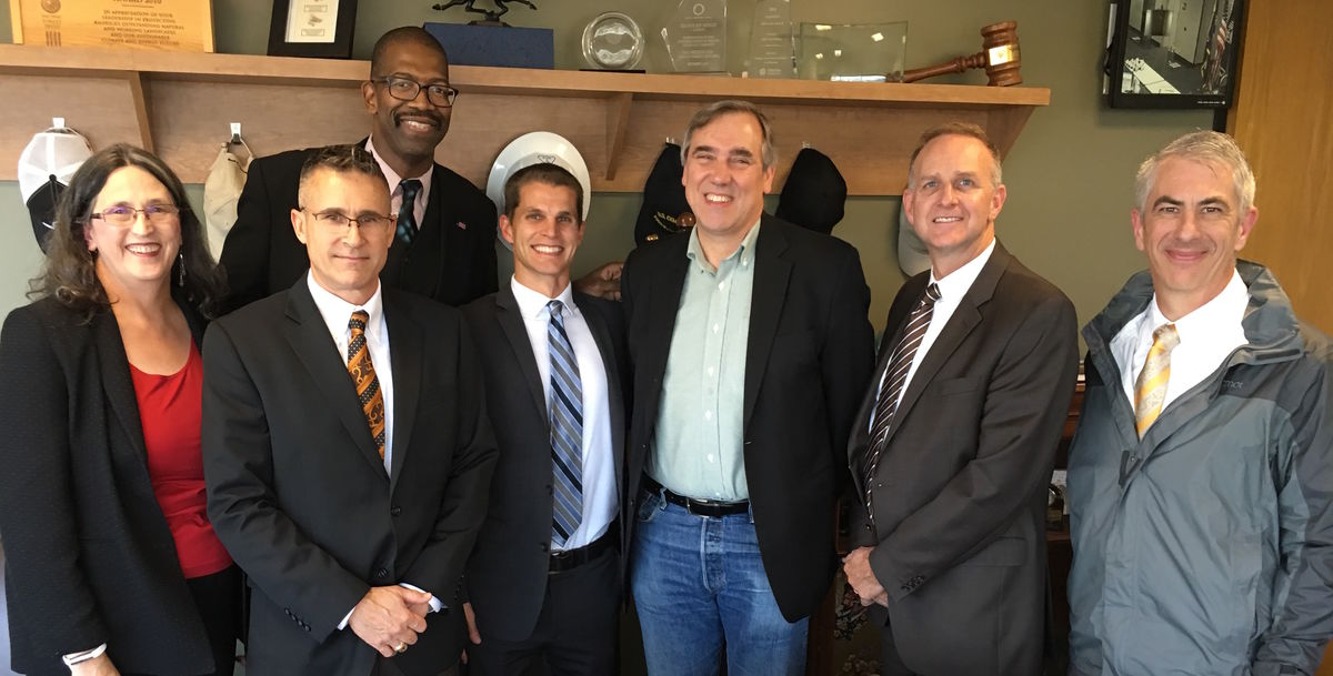Members of Fight Crime: Invest in Kids, ReadyNation, and Champions for America's Future met with Senator Ben Merkley to discuss the importance of CHIP and MIECHV.